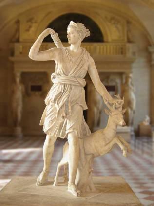 Artemis-Diane_de_Versailles_Leochares_2
